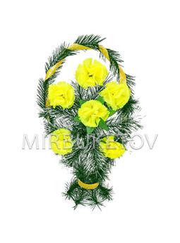 """Траурный венок корзина """"Лимонные гвоздики"""", 50 см, TW102"""