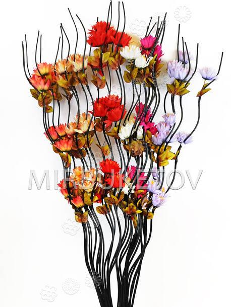 Ветка для декора спиральная, 3 Морозника с тройными листьям, 1.50 м